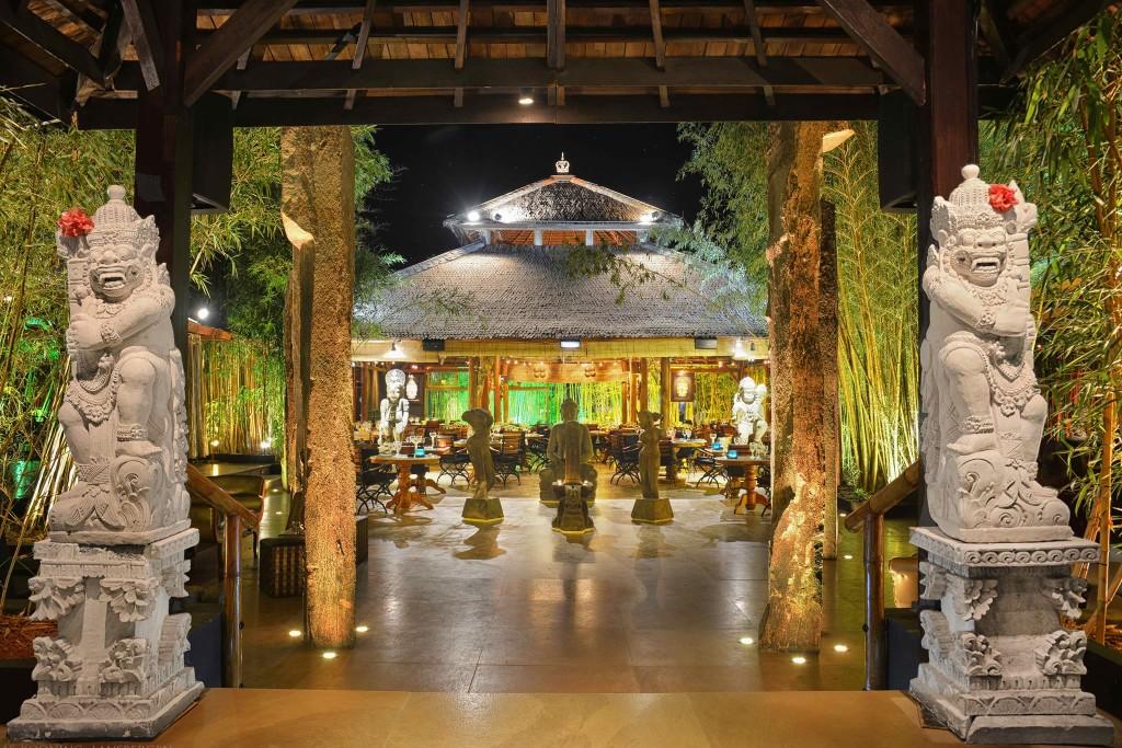 Bambuddha Tantra Cocktail Palace, Ibiza
